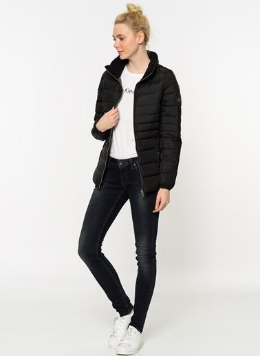 Mont-Calvin Klein